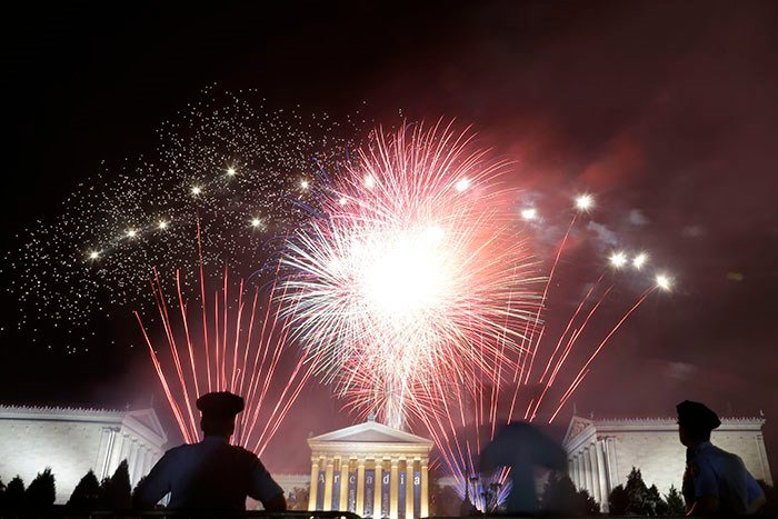 Fireworks light up the sky over the Philadelphia Museum of Art during an Independence Day celebration. (AP Photo/Matt Rourke)