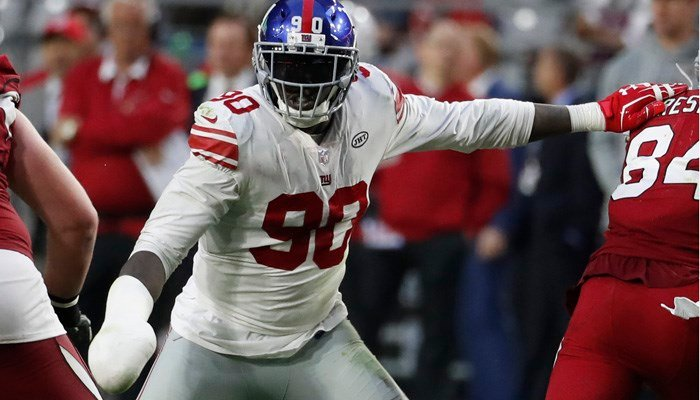 Jason Pierre-Paul has continued playing for the New York Giants, wrapping his right hand in a cast. (Source: AP Photo/Rick Scuteri)