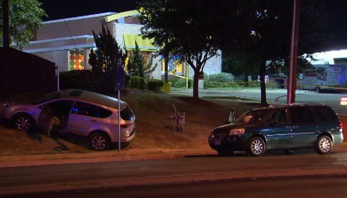Mom shoots carjacker in head, tried to steal car with toddlers inside
