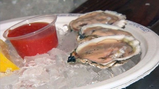 Man dies after eating bad oyster in Florida