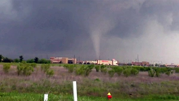 A tornado near Fourney, TX. No one was killed in the tornado outbreak in North Texas on Tuesday. (Source: Ismeal NavarroCNN)