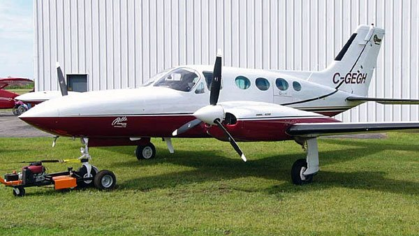 A Cessna 421 similar to the one that crashed in the Gulf. (Source: WikiCommons)