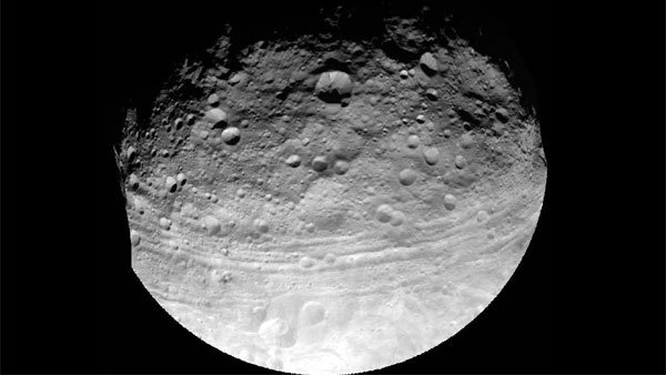 NASA's Dawn spacecraft captured this photo of the giant asteroid Vesta on July 24, 2011, at a distance of 3,200 miles. (Source: NASA/JPL-Caltech/UCLA/MPS/DLR/IDA)