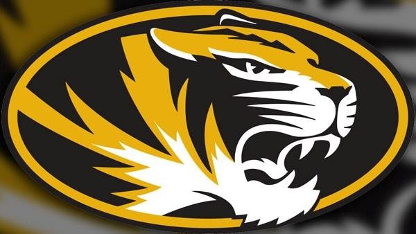 Missouri extended its NCAA-best home court winning streak to 25 games after narrowly beating Western Michigan 66-60.
