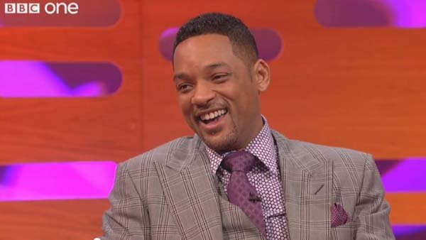 While plugging 'Men in Black III,' Will Smith rapped the theme song to 'Fresh Prince of Bel-Air' along with the talk show audience. (Source: BBC/YouTube)