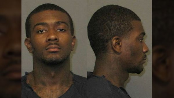 Police released this image of Desmonte Leonard, 22, who they suspect opened fire at a party, killing 3 and injuring 3. (Source: Auburn Police Division)