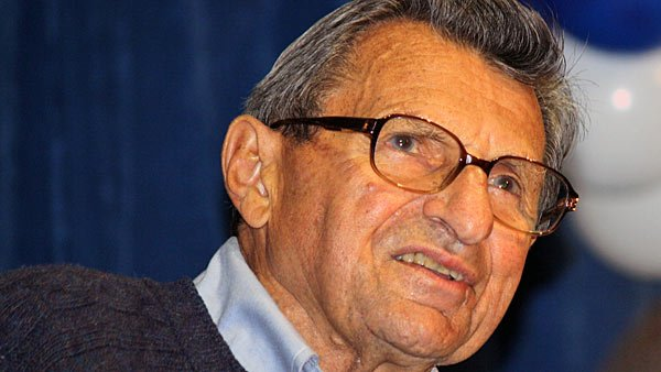 Joe Paterno. (Source: Wiki Commons)