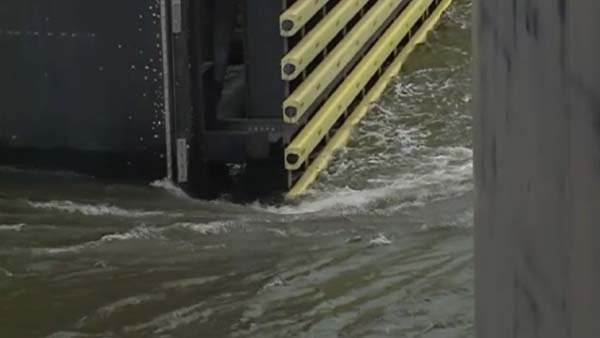 The floodgates in New Orleans are closing for the first time since Hurricane Katrina. (Source: WDSU/CNN)