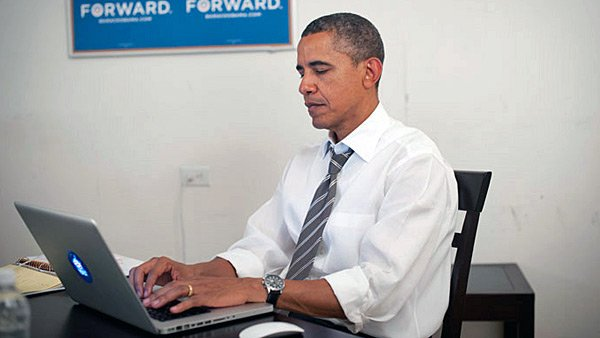 President Barack Obama held a live chat on Reddit hours after ending a two-day tour of college campuses. (Source: Twitter/Barack Obama)