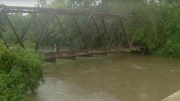 High waters at the Tangipahoa River. (Source: WWL/CNN)