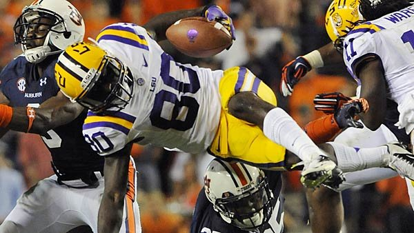 The LSU Tigers have had plenty hills to climb early this season, but like any elite team they are well-poised to overcome them. (Source: Todd Van Emst/Auburn University Athletics)