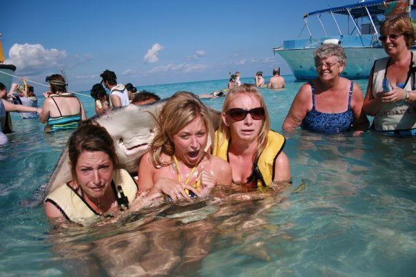 Stingrays, while deadly, generally only sting when stepped on, not when hugging. (Source: http://www.reddit.com/user/epic676)