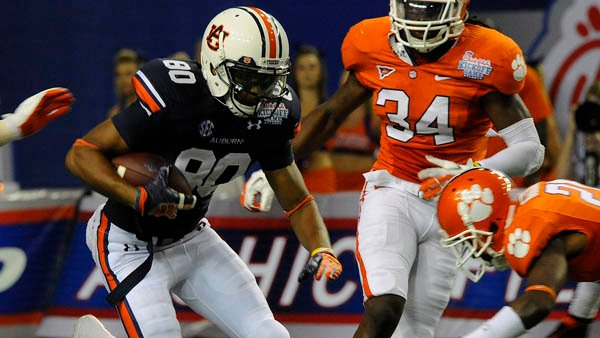 Auburn's Emory Blake (80) makes a reception during the season opener against Clemson. (Source: Todd Van Emst/Auburn University)