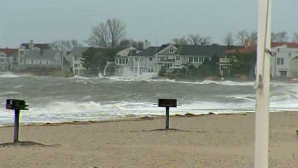 Residents are hunkered down and staying busy as Hurricane Sandy makes its way on shore.(Source: WFSB/CNN)