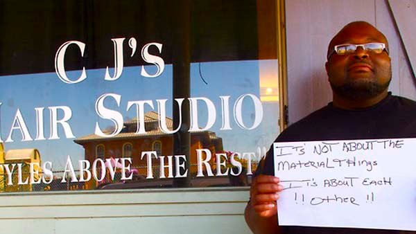 Calvin, from Uptown New Orleans, encourages Sandy victims. (Source: Andy Kopsa)