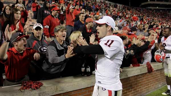 Georgia football coach Aaron Murray mingles with fans after the Bulldogs clinched a berth in the SEC championship game. (Source: Georgia Athletics)
