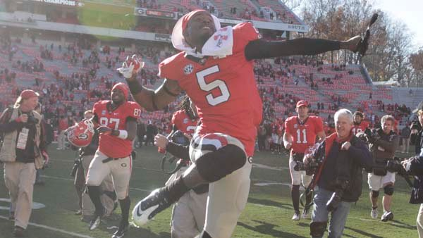 Georgia cornerback Damian Swann celebrates the Bulldogs' win over Georgia Tech as if no one is watching. (Source: Georgia Athletics)