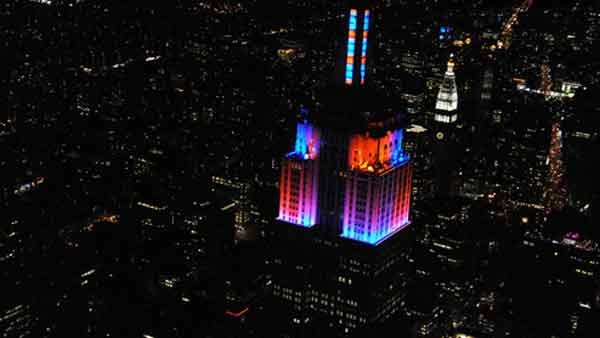 Those who attended the event had to tune into the stations to watch the light show match up. (Source: Edelman)