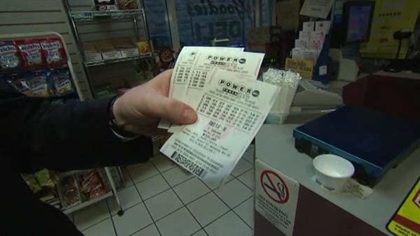 The Powerball jackpot reached $425 million. (Source: CNN)