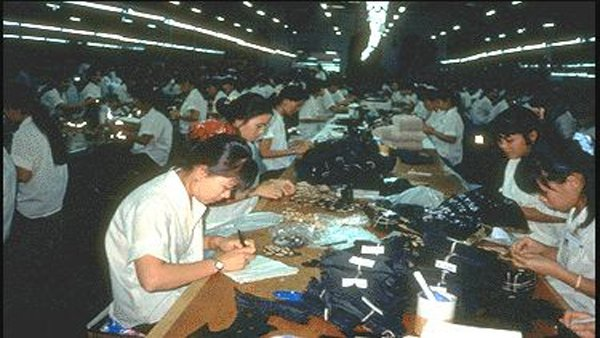 Sweatshops have gained negative attention, but finding clothes not made in one can be difficult. (Source: Flickr/marissaorton)