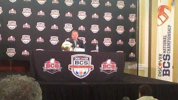 Notre Dame head coach Brian Kelly answers questions during a press conference. (Source: RNN/Tom Ensey)