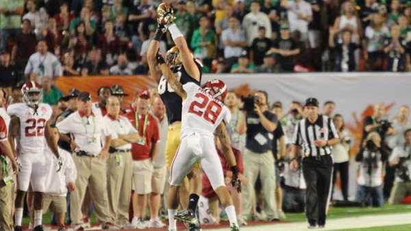 Alabama cornerback Dee Milliner defends Notre Dame's Tyler Eifert on a pass play in the first quarter of the 2013 BCS National Championship game against Notre Dame. (Source Dennis Washington/WBRC)