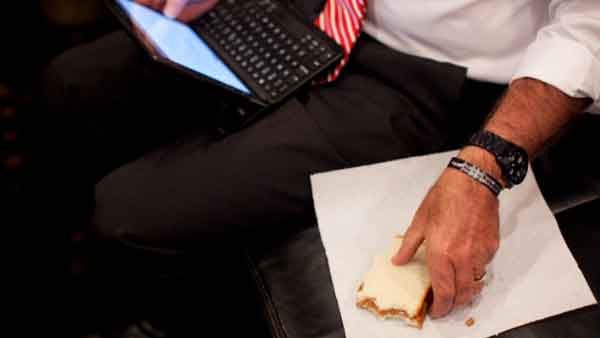Many workers in America are ditching their lunch breaks which health experts say is not good for productivity. (Source: CNN)