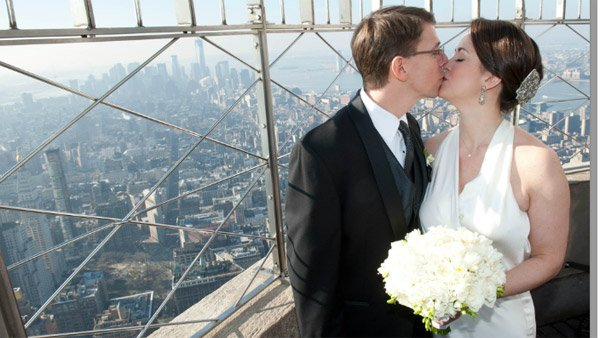 Laurie Ann Phillips and Daniel Rosenthal of Washington met on a blind date and bonded over their kids. On Valentine's Day, they married at the Empire State Building. (Source: Edelman PR)