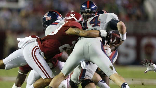 Alabama defensive back Dee Milliner (28) makes a tackle against Ole Miss. Milliner ran a 4.31 in the 40-yard dash at the NFL scouting combine. (Source: Alabama Athletics)
