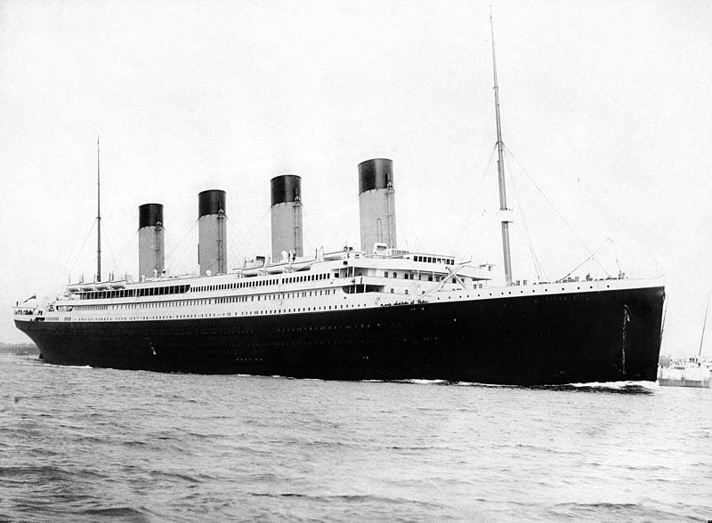 Titanic sets sail from Southampton, England on its maiden voyage. (Source: Wikimedia Commons)