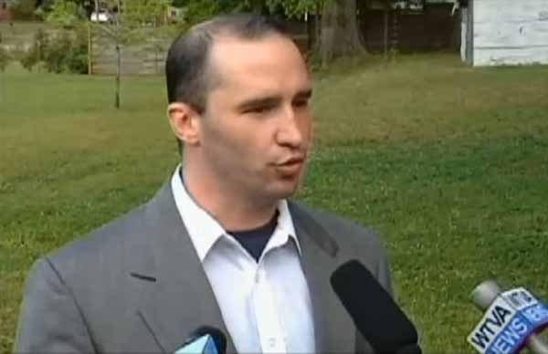 Everett Dutschke speaks to the media about his home being searched in connection with a federal investigation into a ricin mailing. (Source: WMC-TV)