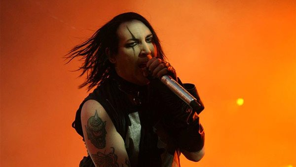 The internet has long claimed that dark rocker Marilyn Manson, above, and Paul from 'The Wonder Years' were the same person. (Source: Rockman/Wikicommons)