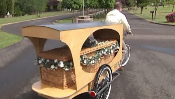The basket coffin is cheaper and can carry up to 300 pounds. (Source: KVAL/CNN)