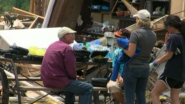 Many people in Moore, OK, still do not know where their loved ones are. (Source: KFOR/CNN)