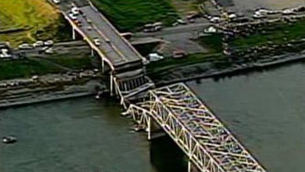 A portion of an interstate bridge running over the Skagit River collapsed Thursday, sending at least two cars into the river below. (Source: KOMO/CNN)