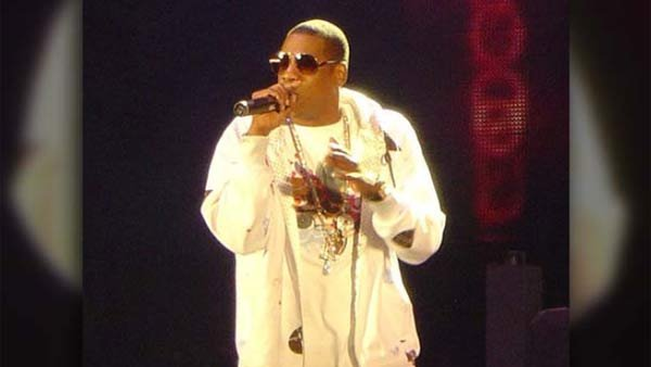 Thanks to a change in RIAA rules and Samsung's purchase of 1 million albums, Jay-Z's new album will automatically become Platinum once it's released. (Source: WikiMedia/I am guilty)