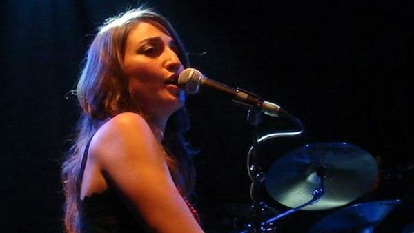 Sara Bareilles' fourth full-length album, The Blessed Unrest, is streaming on iTunes a week ahead of its official release. (Source: Amw9991/Wikicommons)