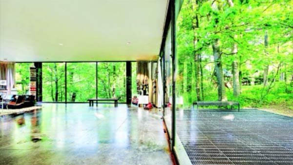 The home featured in 'Ferris Bueller's Day Off' is for sale. (Source: Coldwell Banker Residential/CNN)
