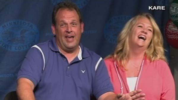 Powerball winner Paul White chose the cash option of $86 million before taxes. (Source: CNN)