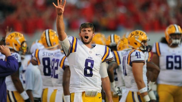LSU quarterback Zach Me