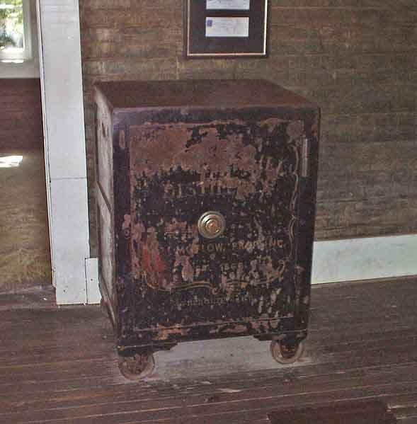 Jack Daniel broke his toe when he kicked this safe and later died of an infection. (Source: Wikimedia Commons)