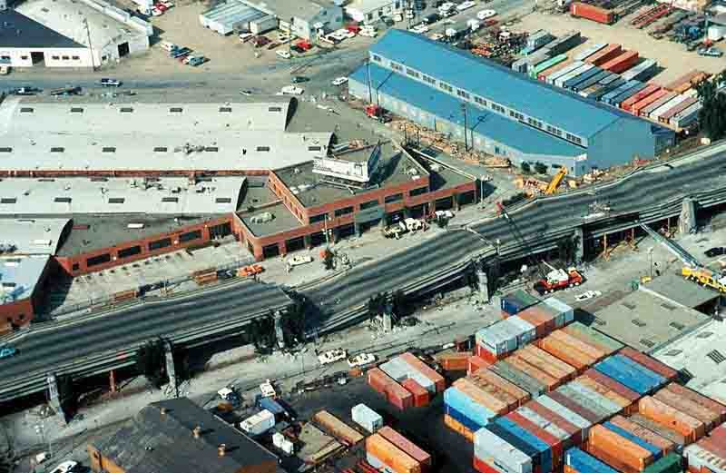 An aerial view of the collapsed section of the Cypress Street Viaduct where most of the fatalities of the Loma Prieta earthquake occurred. (Source: USGS/Wikimedia Commons)