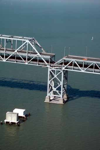 An overhead view of the section of the San Francisco-Oakland Bay Bridge that collapsed during the Loma Prieta earthquake. (Source: USGS/Wikimedia Commons)
