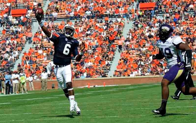 Auburn quarterback Jeremy Johnson threw for four touchdowns against Western Carolina while filling in for injured starter Nick Marshall. (Source: Todd van Emst/Auburn University)