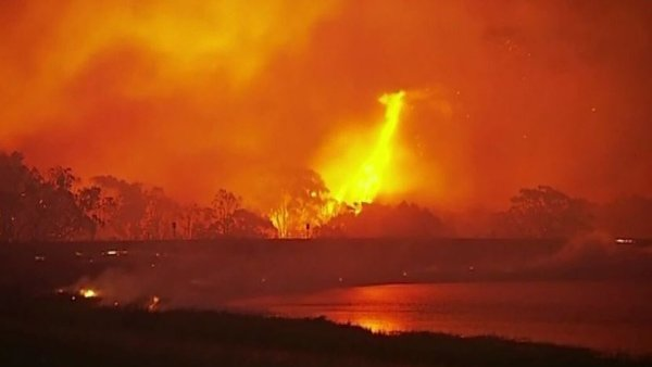 The bushfire crisis follows Australia's warmest 12 months ever recorded. (Source: Seven Network/CNN)