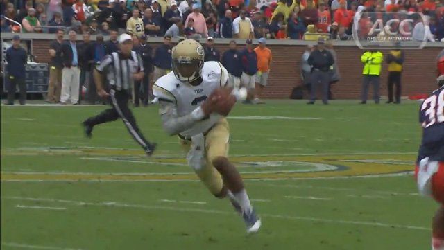 Georgia Tech quarterback Vad Lee runs down the field in the Yellow Jackets' 56-0 win against Syracuse. (Source: ACC Network)