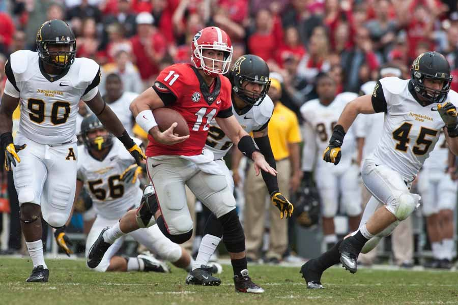 Georgia quarterback Aaron Murray (11) could knock off Auburn and save his team's season this week. (Source: Georgia Athletics)