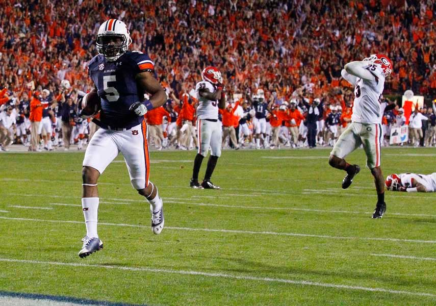 Auburn's Ricardo Louis scores the go-ahead touchdown in Auburn's 43-38 win over Georgia. In his wake is the Georgia defense, Georgia's season and perhaps Mark Richt's tenure as the Bulldogs' head coach. ((Source: Todd van Emst/Auburn University)