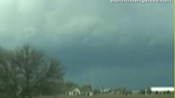 Dark clouds form over central Illinois. (Source: CNN)