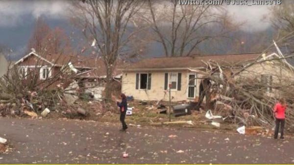 Damaged homes in Pekin, IL. (Source: CNN)
